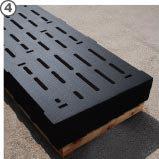 les tapis sont ajourés précisément avec une découpe au jet d'eau à très haute pression.