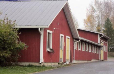 La ferme de Timo Viinamäki, en Finlande, a rénové ses logettes avec les revêtements caoutchouc Wingflex de Kraiburg et ainsi augmenté sa production laitière.